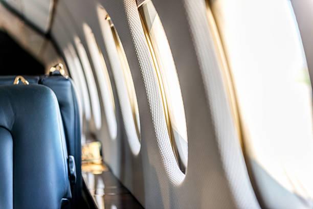 janelas de avião - soldado raso - fotografias e filmes do acervo