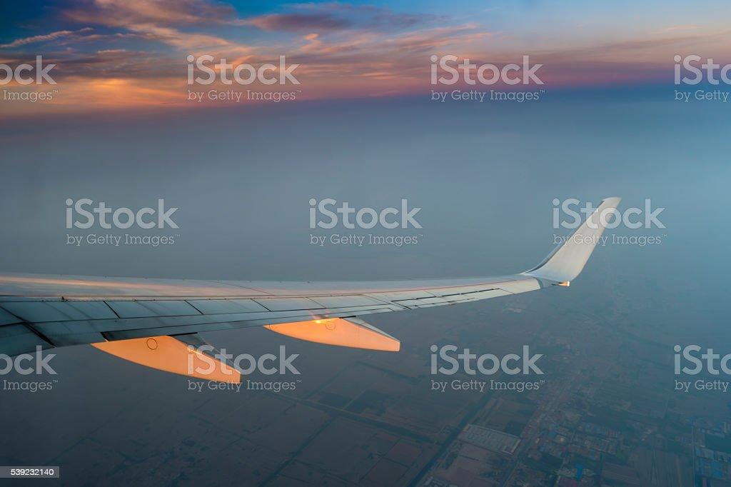 Airplane wing in the sky at North of china foto de stock libre de derechos