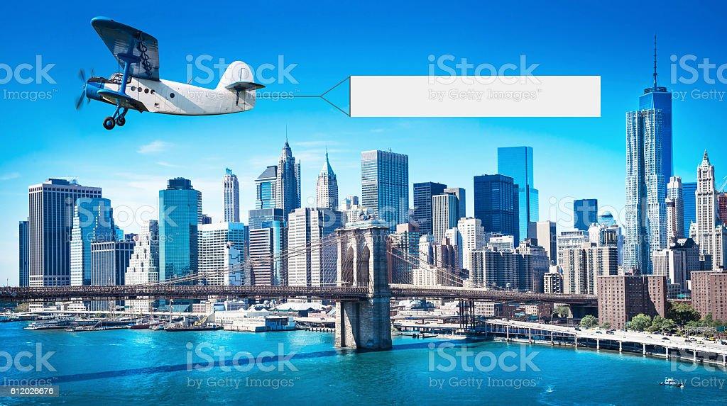 Avion avec une bannière - Photo