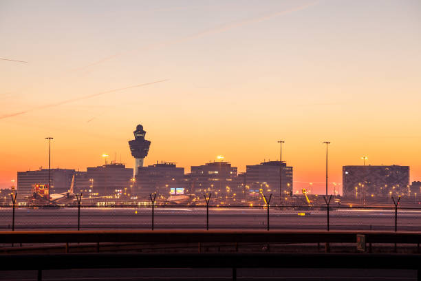 airport background - schiphol stockfoto's en -beelden