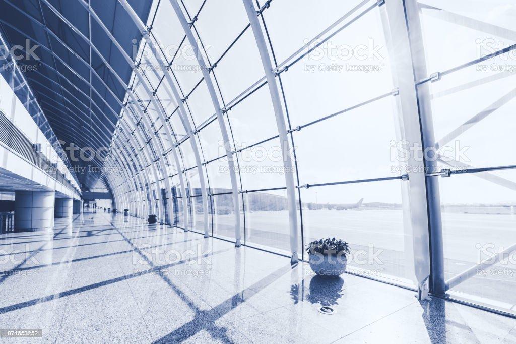 Flughafen-Abflughalle – Foto