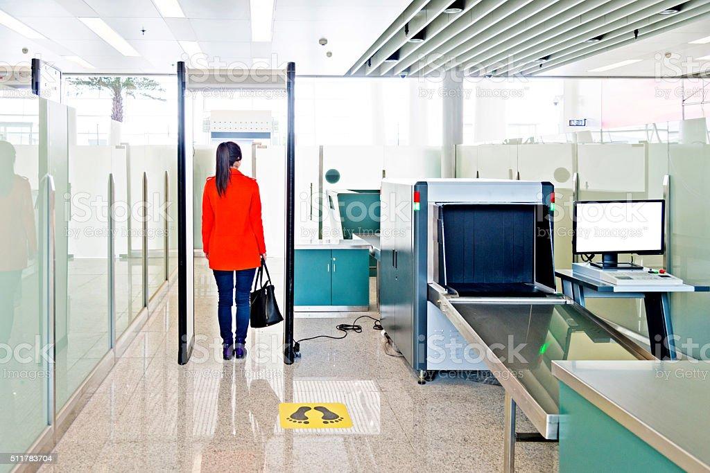 Flughafen-Sicherheitskontrolle – Foto