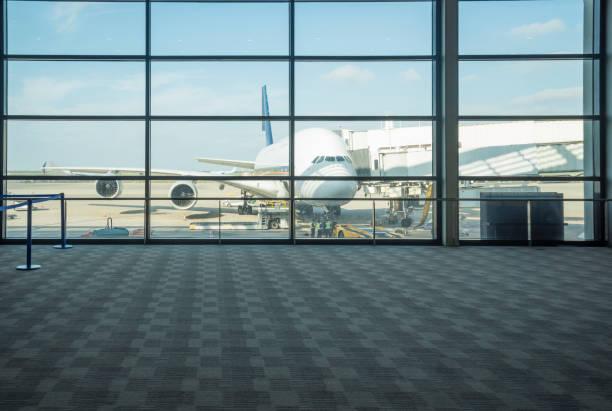 luchthaventerminal - luchthaventerminal stockfoto's en -beelden