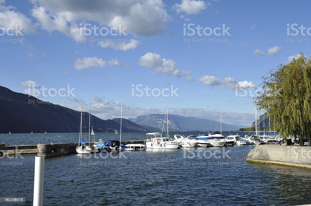 Aix-les-Bains du port sur le lac, Haute-Savoie, France - Photo
