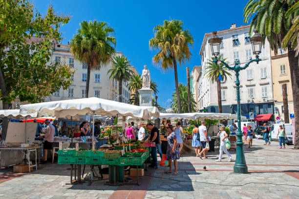 Ajaccio Agrarmarkt auf dem Place Foch, Korsika – Foto