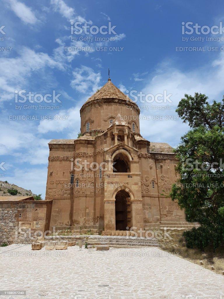 アクダマール島とサープ教会の写真アクダマールアダシヴァントルコ ...