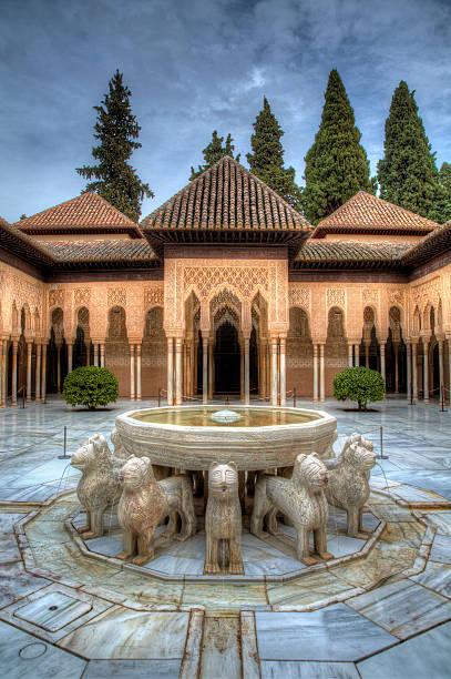 Al Hambra Patio de les Leones, Al Hambra, Granada, Spain palacios nazaries stock pictures, royalty-free photos & images