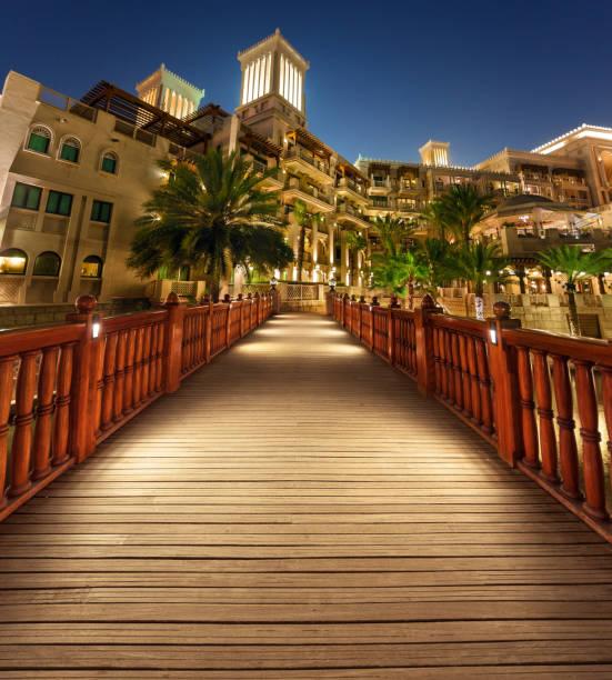 al qasr hotel in madinat al jumeirah dubai - hochzeitsreise dubai stock-fotos und bilder