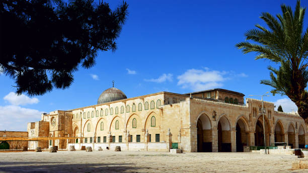 Al-Aqsa Mosque in Jerusalem Al-Aqsa Mosque in Jerusalem on the top of the Temple Mount. Al Aqsa mosque is a sacred place for all muslims and islamic people. muslim quarter stock pictures, royalty-free photos & images