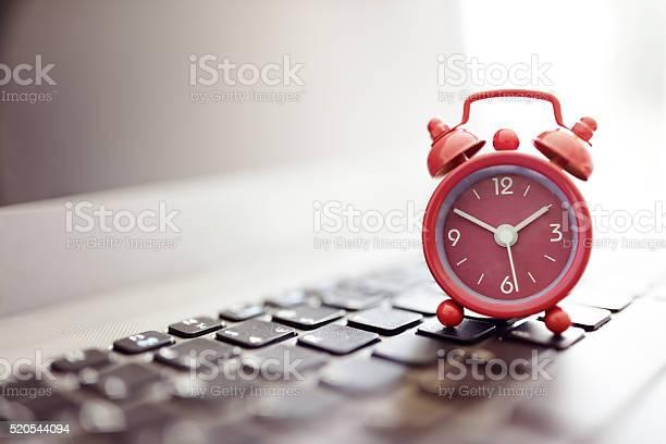 Alarm clock on laptop picture id520544094?b=1&k=6&m=520544094&s=612x612&h=pmegbpc7ywkvv2whjrqsxuazz4t0nqyzkysc2svasok=