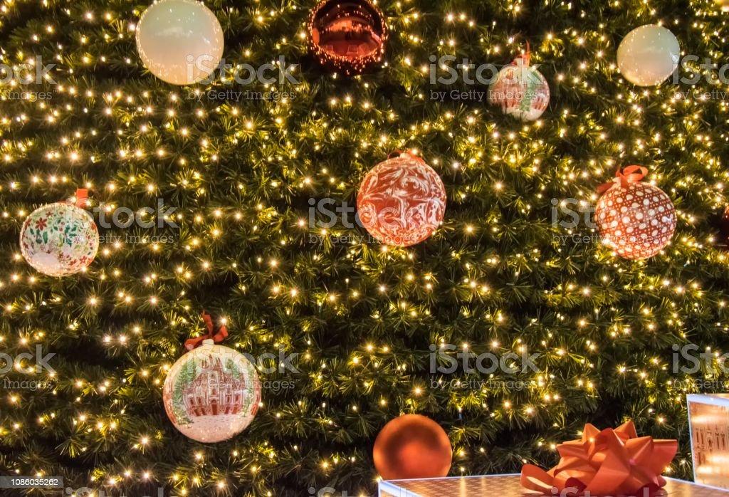 Albero Di Natale Milan.Albero Di Natale Piazza Gae Aulenti Milano Italia Stock Photo