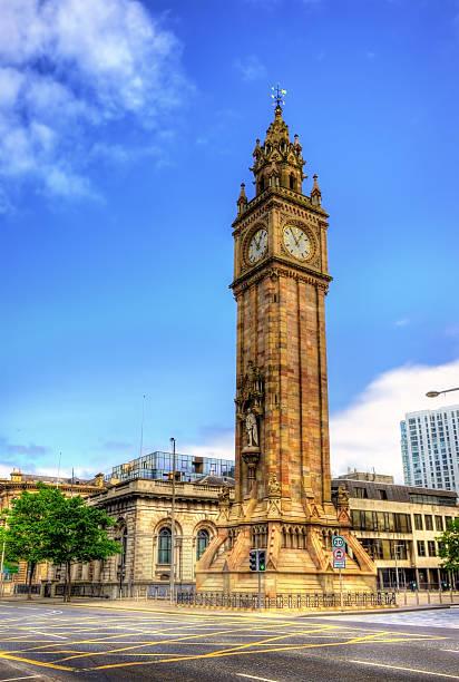 Albert Memorial reloj en Belfast, Irlanda del Norte - foto de stock