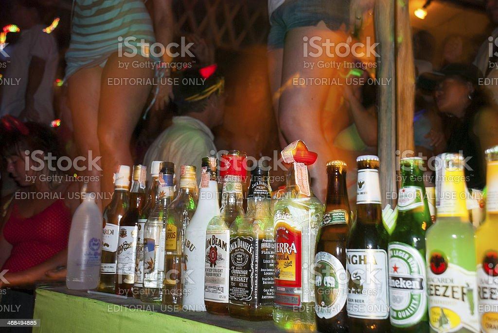 Alcohol en Luna llena fiesta en Tailandia - foto de stock