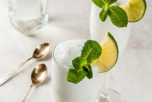 alcoholic cocktail sgroppino - sgroppino stock-fotos und bilder