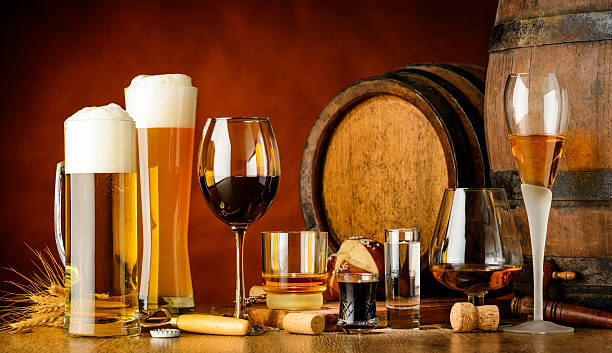 alcoholic drinks - beer alcohol stock pictures, royalty-free photos & images