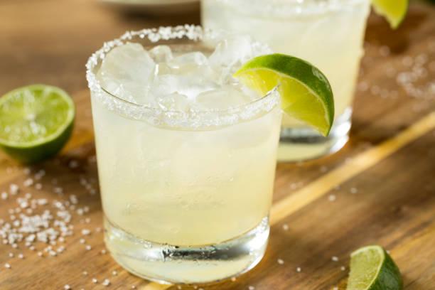 cal alcohólicas margarita con tequila - margarita fotografías e imágenes de stock