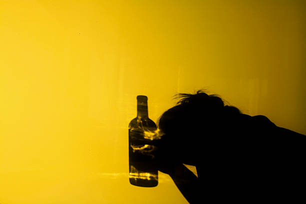 alcoholism - dipsomania stock pictures, royalty-free photos & images