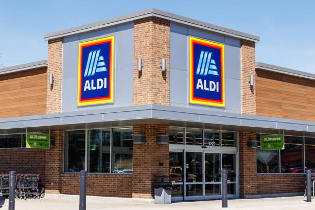 Aldi Discount Supermarket. Aldi sells a range of grocery items, including produce, meat & dairy, at discount prices II stock photo
