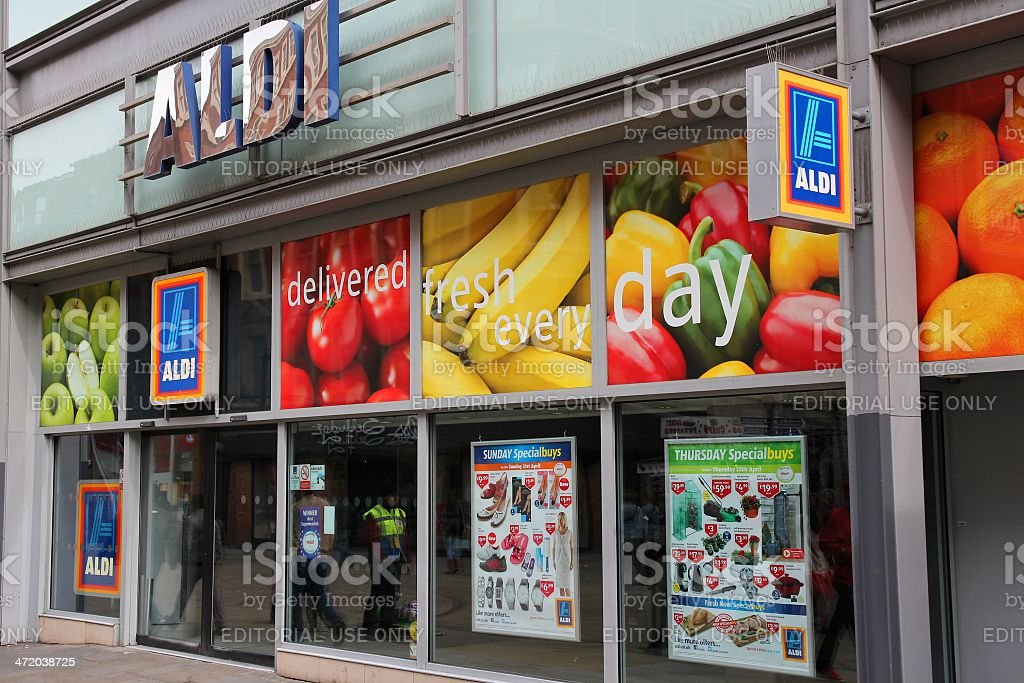 Aldi supermercado - foto de stock