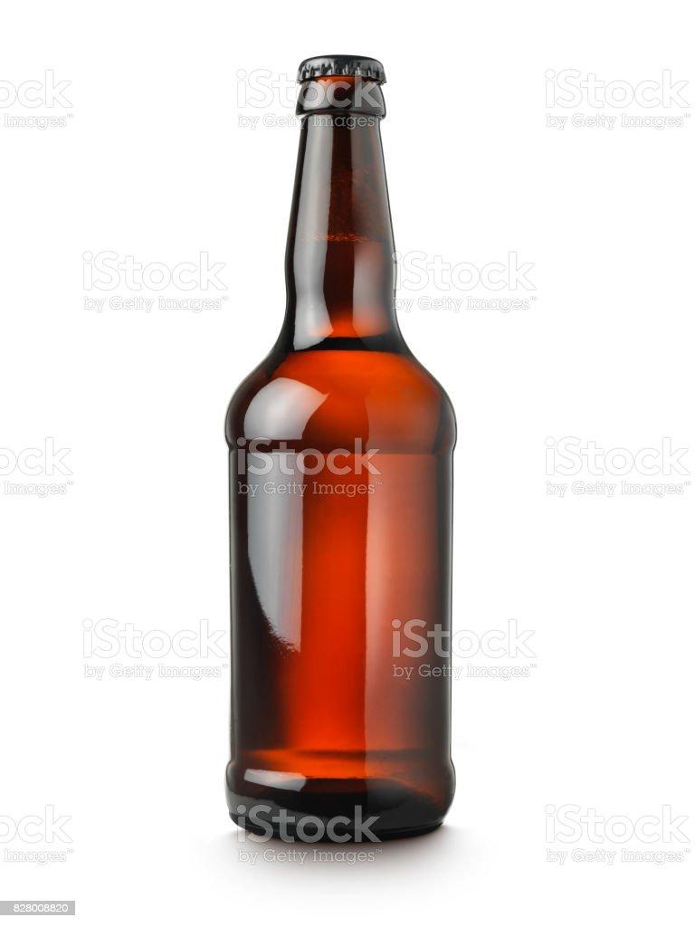 botella de cerveza sobre fondo blanco - foto de stock