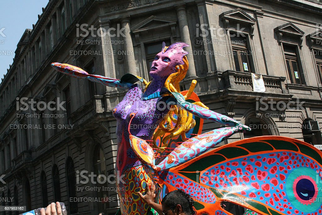 Alebrije as part of the parade in México city. - foto de stock