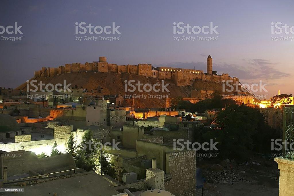 Citadelle d'Alep par nuit - Photo