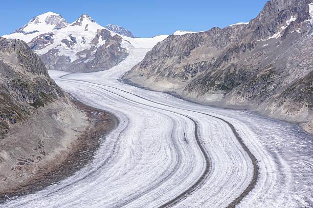 ледник алеч, aletschgletscher, европейские альпы - moraine стоковые фото и изображения
