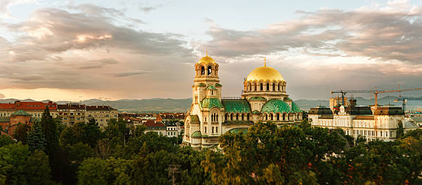 alexander nevski cathedral panorama - bulgarije stockfoto's en -beelden