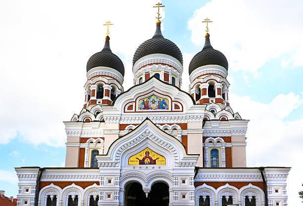 alexander-newski-kathedrale in tallinn, estland - russisch orthodoxe kirche stock-fotos und bilder