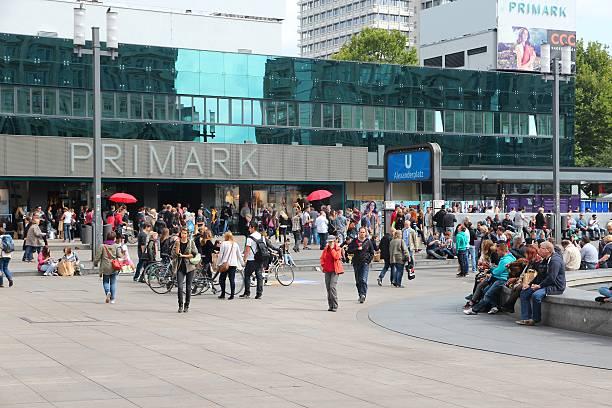 alexander square, berlin - fotgängarområde bildbanksfoton och bilder