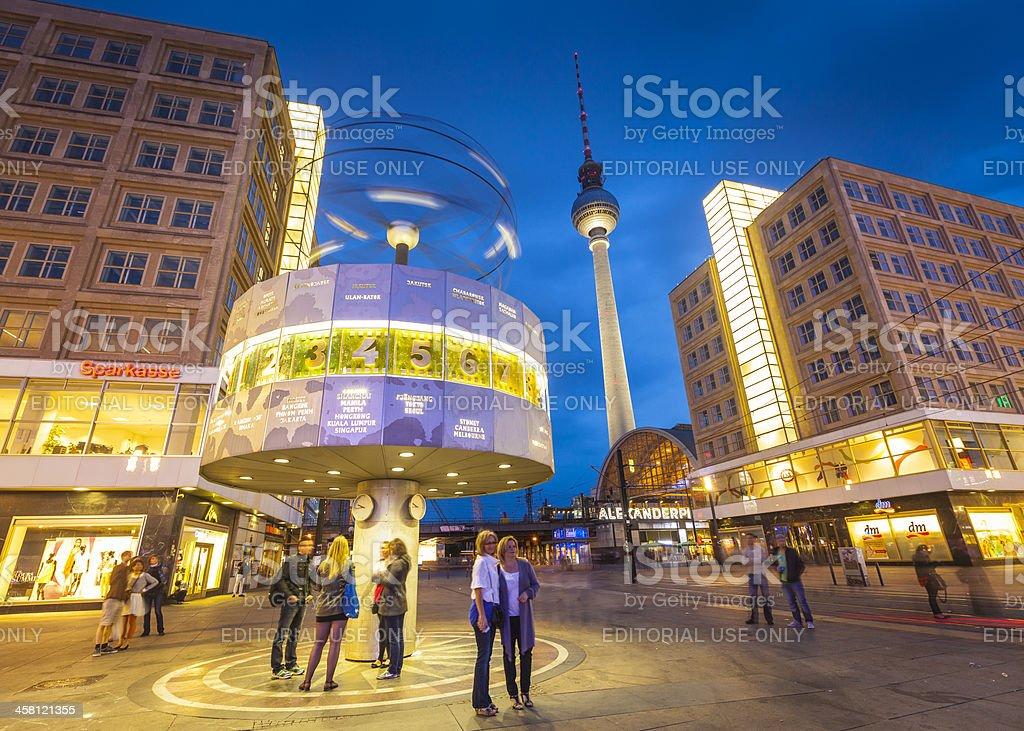 Alexanderplatz und Fernsehturm Welt Clock Tower-Berlin – Foto