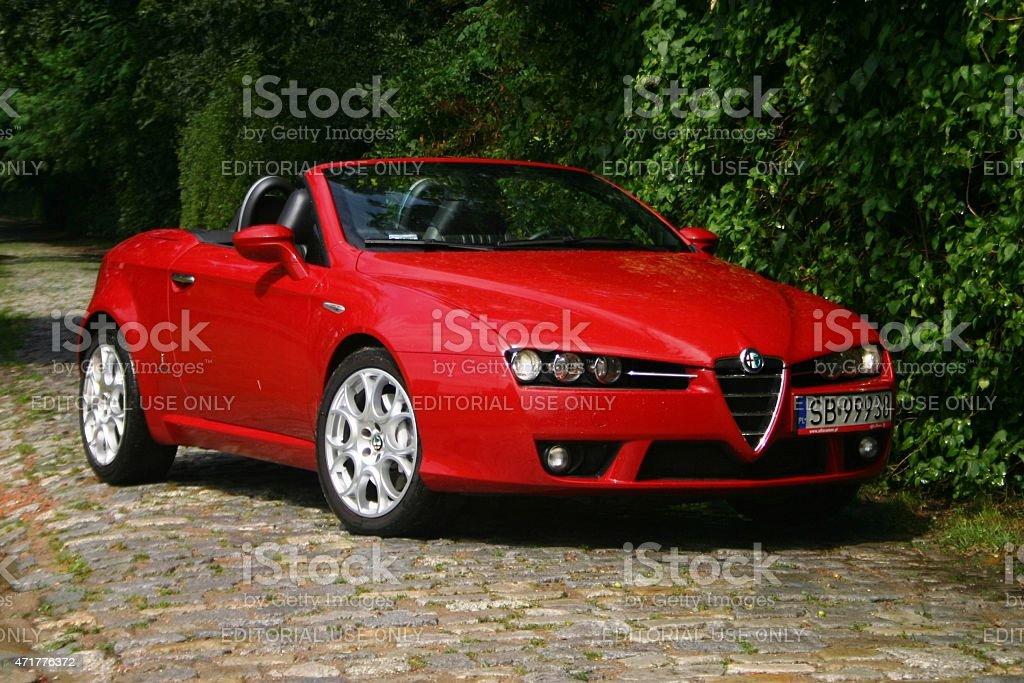 Alfa Romeo Spinne auf der Straße  – Foto