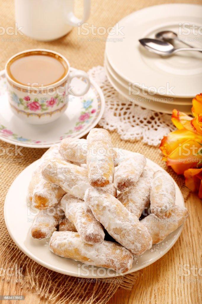 Alfajores tradicionales galletas dulces Español - foto de stock