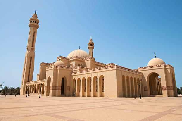 Al-Fateh Grand Mosque in Bahrain Al Fateh Grand Mosque in the city of Manama, Kingdom of Bahrain, Middle East grand mosque stock pictures, royalty-free photos & images