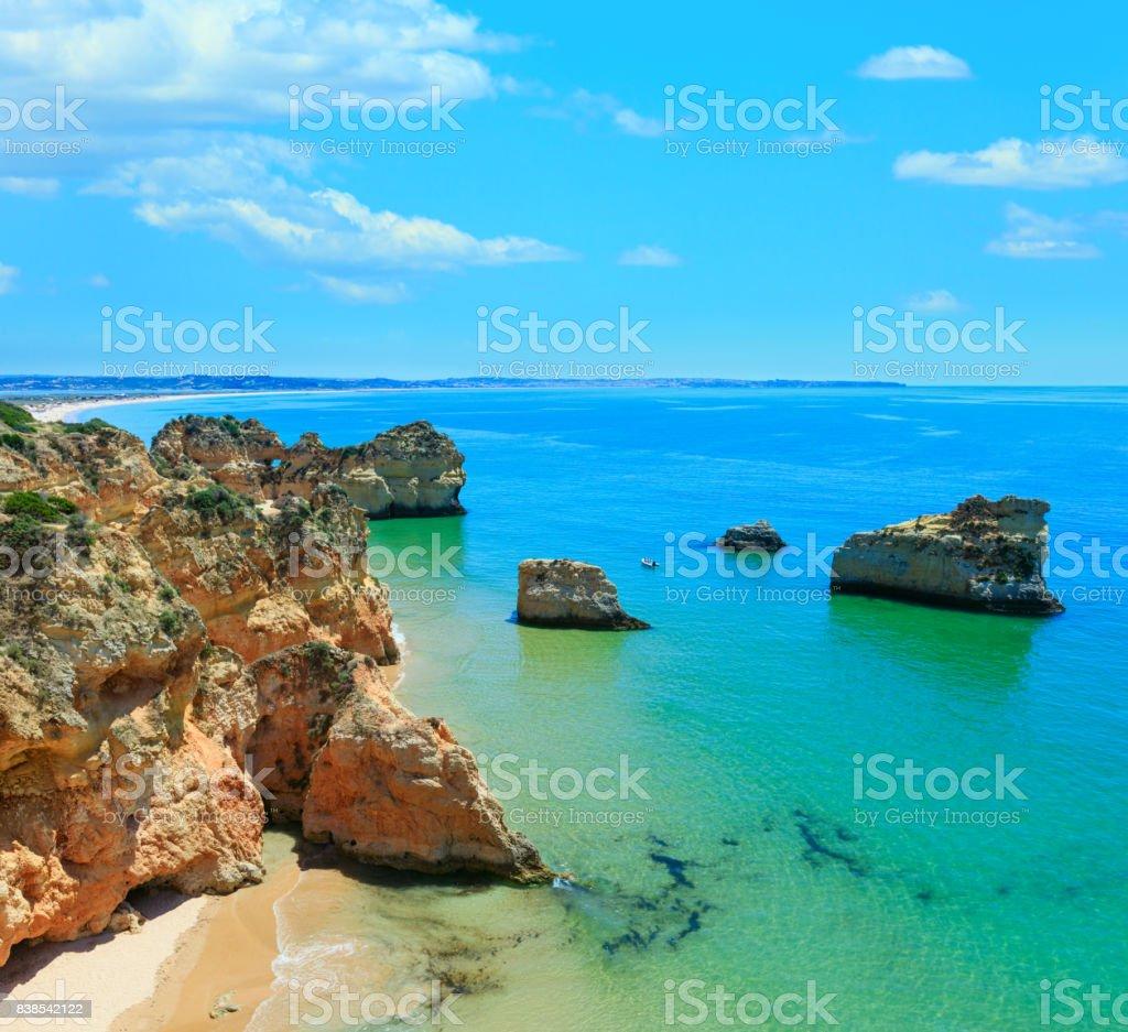 Algarve beach Dos Tres Irmaos (Portugal). - fotografia de stock