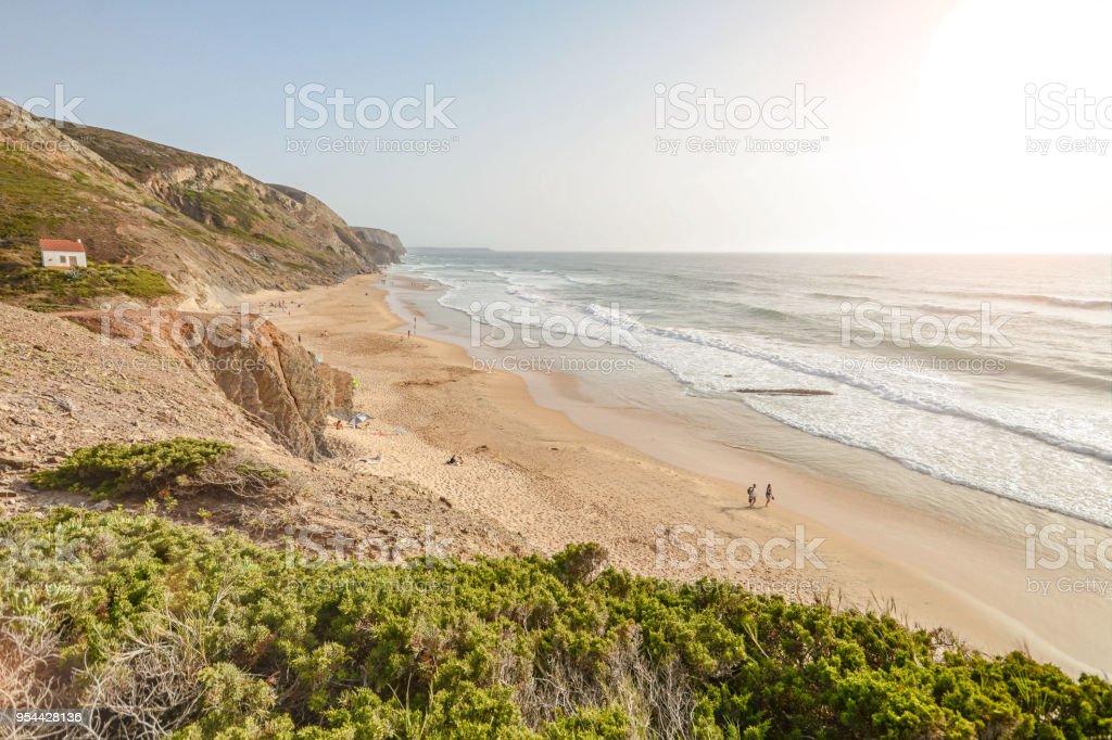 Algarve: Surfer Strand Praia de Vale Figueiras in der Nähe von Aljezur, Costa Vicentina, Portugal Europa – Foto