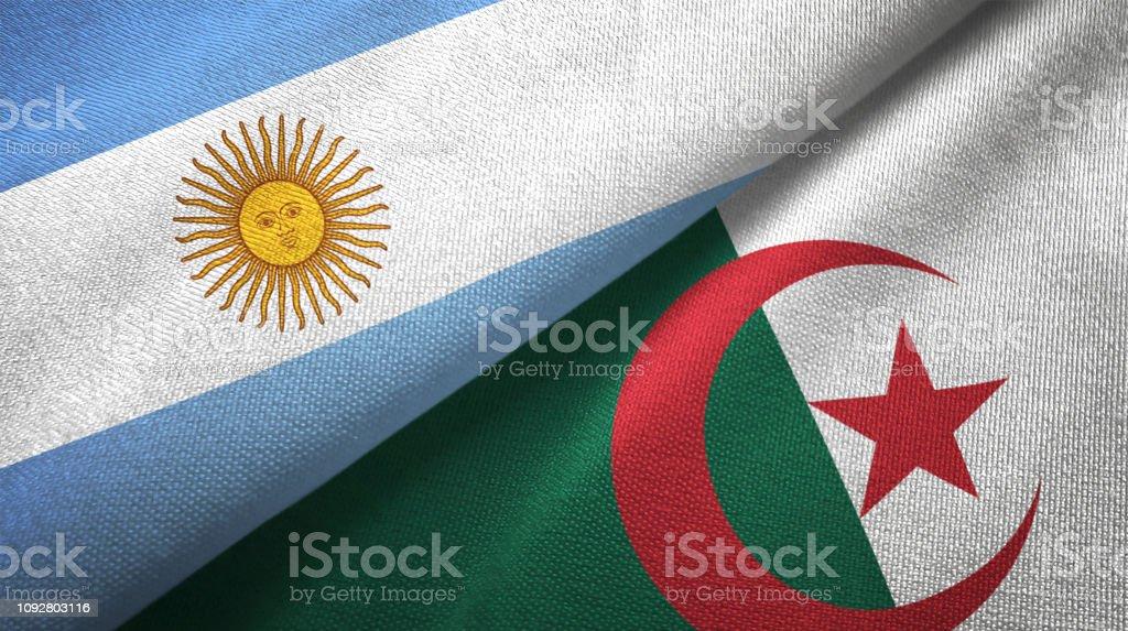 Argelia y Argentina dos banderas juntos relaciones textil tela textura de la tela - foto de stock