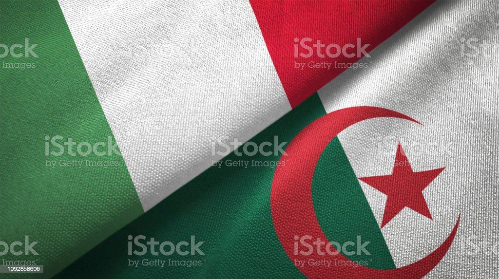 Argelia e Italia dos banderas juntas textil tela textura de la tela - foto de stock