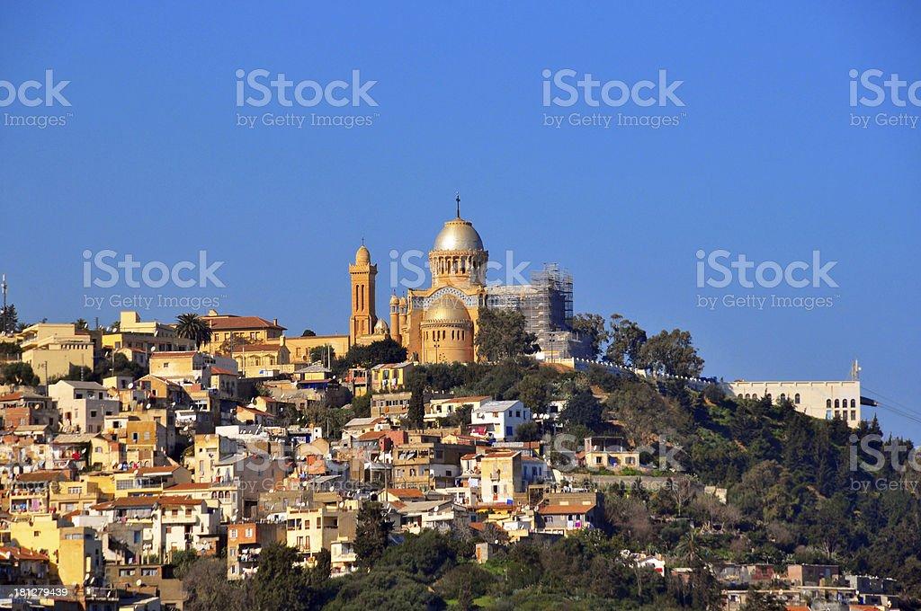 Alger: Basilique Notre-Dame de l'Afrique, Bologhine de la colline au-dessus de - Photo