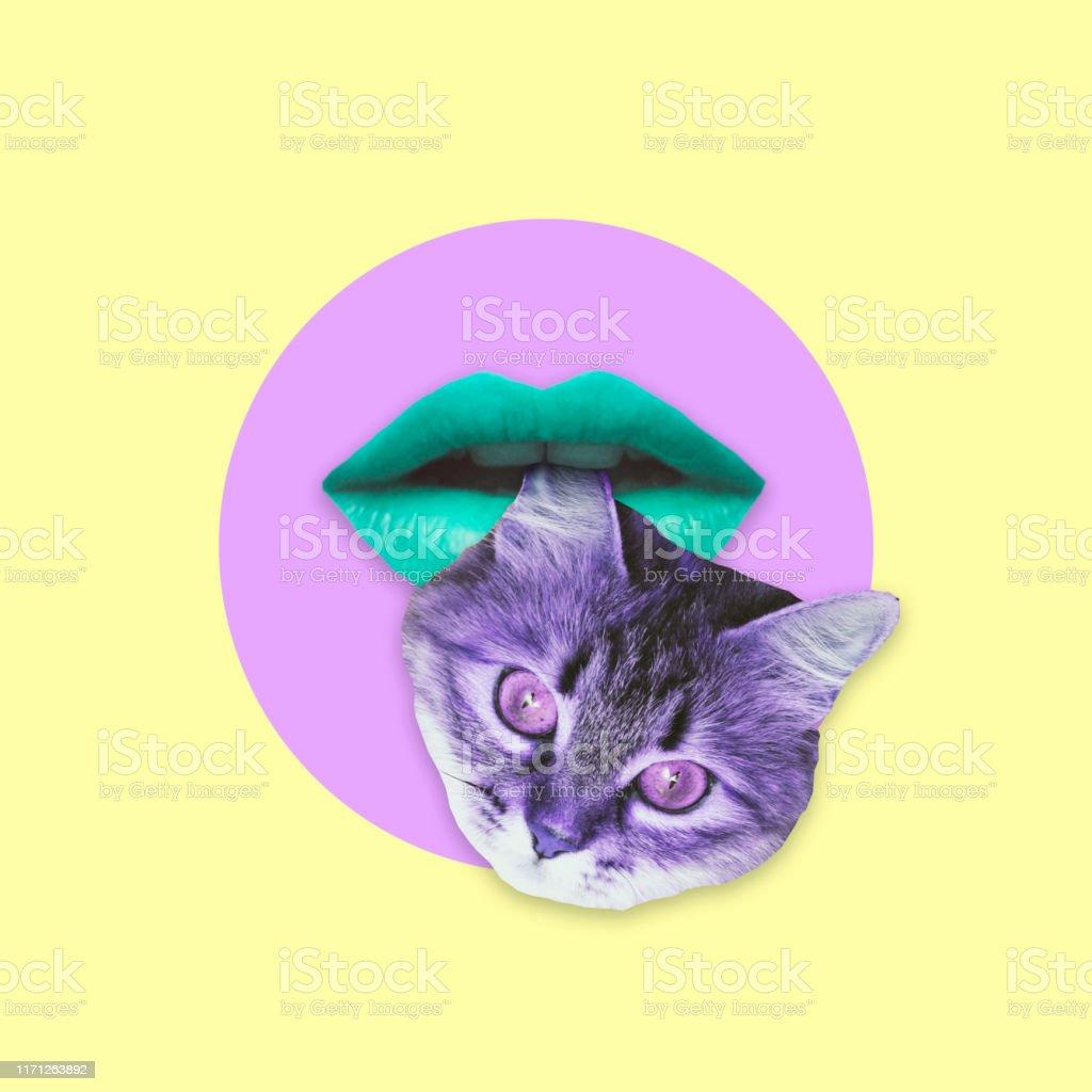 Alien Grune Frau Lippen Beissen Ohr Des Katzenkopfes Collage Kunst Stockfoto Und Mehr Bilder Von Abstrakt Istock