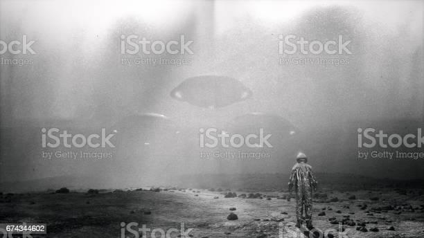 Alien invasion picture id674344602?b=1&k=6&m=674344602&s=612x612&h=nkisywyaotyrdb1tqksh3hnbg8e601v9hvzqtoxvg5s=