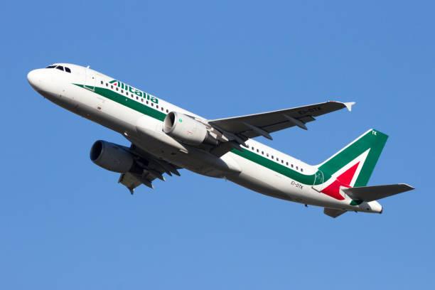Alitalia-Airbus A320 - foto de acervo