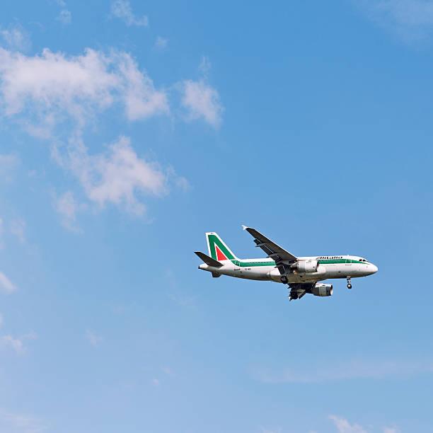 A Alitalia Airbus - foto de acervo