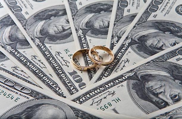 alle für geld - diamanten kaufen stock-fotos und bilder
