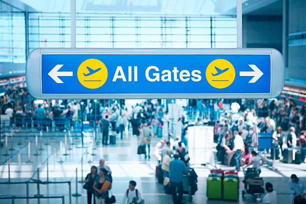Todos os portões de seta no Aeroporto de Los Angeles - foto de acervo