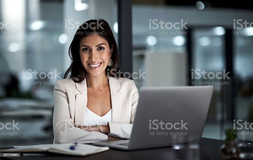 All set for a productive night ahead - Royalty-free Alleen volwassenen Stockfoto