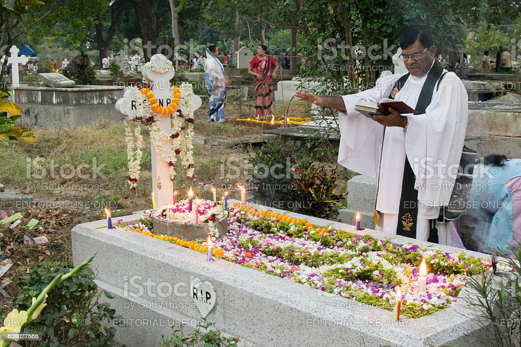 'All souls day' remembrance at Park Street cemetary, Kolkata, Calcutta, – Foto