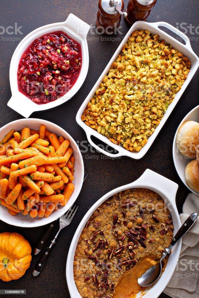 Todos os pratos tradicionais de lado de ação de Graças - foto de acervo
