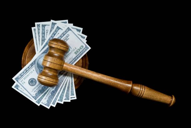 alegoría de la justicia corrupta - civil rights fotografías e imágenes de stock