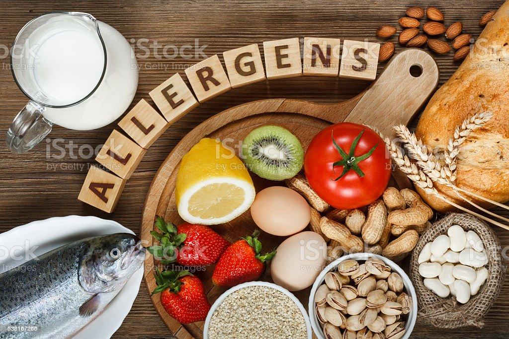 Allergia alimentari  - Foto stock royalty-free di Allergia